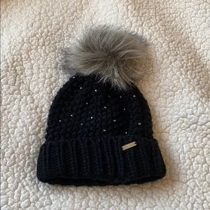 FREE! STEVE MADDEN beanie with purchase!